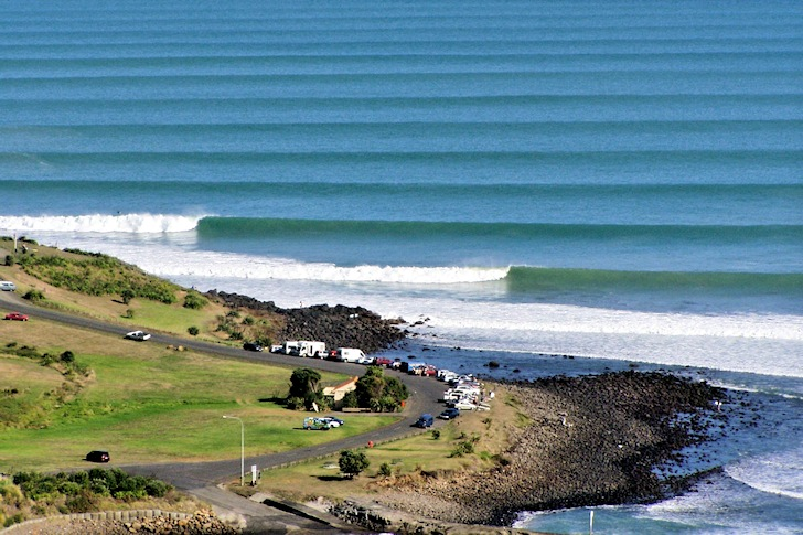 wavetrain-ground swell